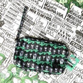 Sobre pañuelo verde